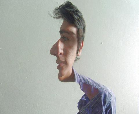 トリックアートな画像!横顔にも正面からの顔にも見える写真加工。